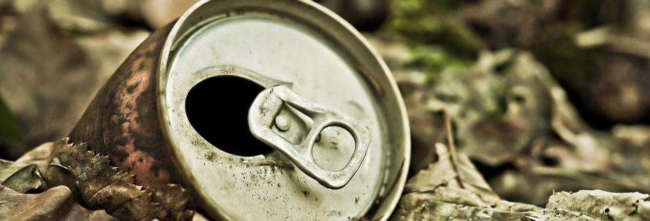 Алуминият се рециклира изключително лесно и е сравнително скъп по отношение на черните метали.